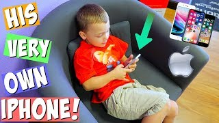 3 YEAR OLD SHOPPiNG FOR HiS FiRST iPHONE!