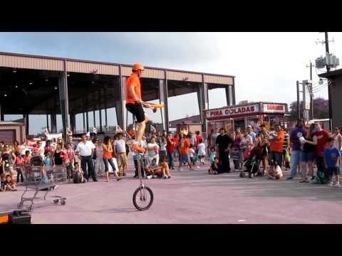 Wacky Chad at the Strawberry Festival 2011, in Pasadena Texas. 2-2. [HD]