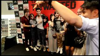 Fans meet boy band The Wanted