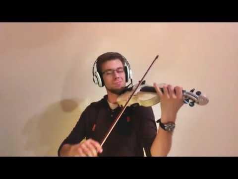 バイオリンと音で遊ぶ男性の神業