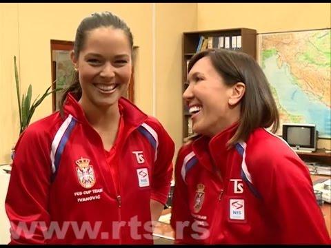 Jelena Jankovic & Ana Ivanovic - Pozdravite Vašu mamu!