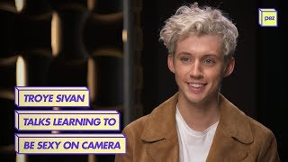 Download Lagu Troye Sivan Talks Learning To Be Sexy On Camera Gratis STAFABAND