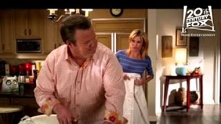 Modern Family - Tableau Vivant | FOX Home Entertainment