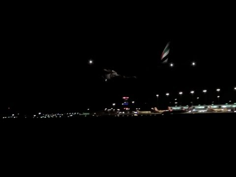 Emirates Boeing 777-300ER By Night, Landing into Adelaide International