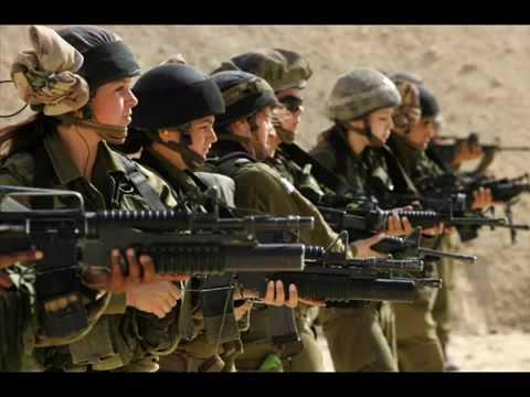 Девушки военные!