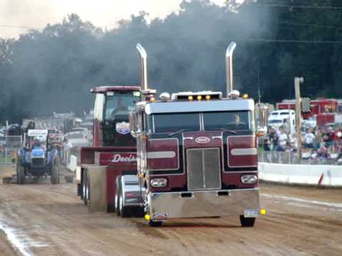 Peterbilt 352 Cabover Pull @ The Buck 2009 - YouTube
