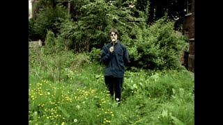 Watch Oasis Shakermaker video