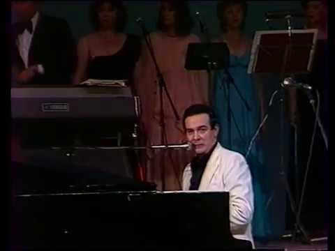 Муслим Магомаев - Журавли. Muslim Magomaev - Zhuravli ( The Cranes )