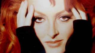 Watch Wynonna Judd Change The World video