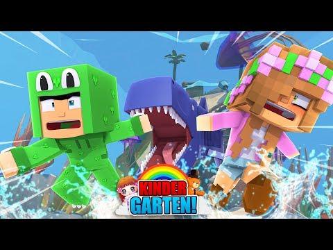 KINDERGARTENERS ARE ATTACKED BY SHARKS! Minecraft Kindergarten |Little Kelly