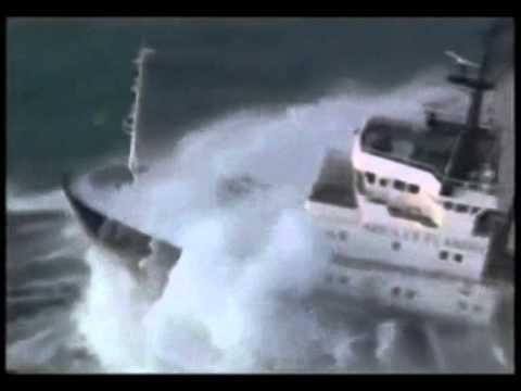 Bateaux dans temp tes capitaine abandonn youtube for Dans youtube