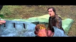 Jack the Giant Slayer (bees scene)