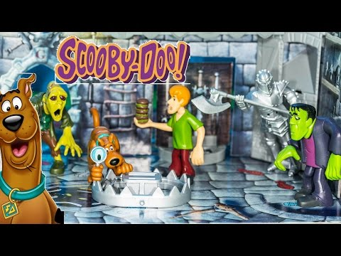 Playing the Scooby Doo Ghost Castle Game with the Assistant