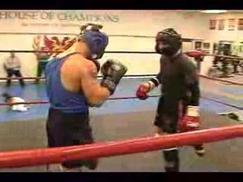 Muay Thai Sparring Knockout Muay Thai Sparring Session w/