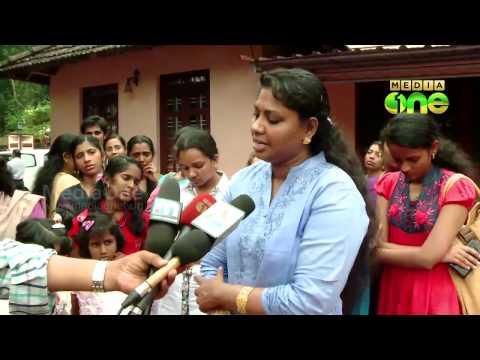 Nurses returned from Libiya meet Oommen Chandy
