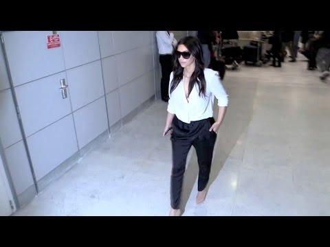 ELEGANT and SEXY Kim Kardashian arriving in Paris