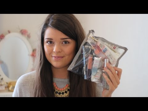 Holiday Beauty: What's In My Hand Luggage? | ViviannaDoesMakeup