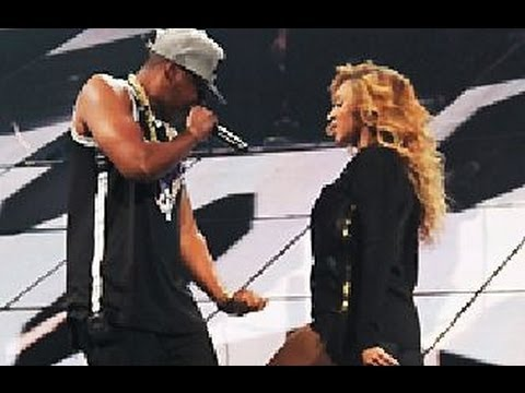 Beyoncé Joins Jay Z on Stage Final Barclays Concert in Brooklyn, Share Kiss