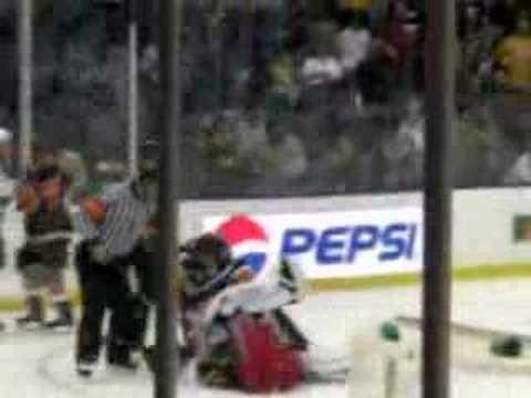Hockey Goalie Fight, Dipietro vs Montoya Rangers vs. Islanders