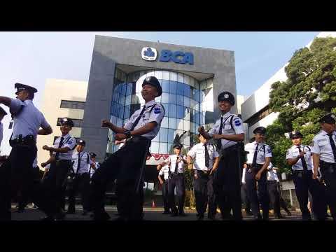 Goyang maumere satpam bank bca Bandung