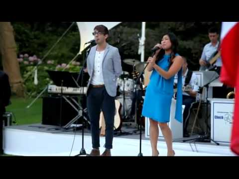 Kevin McHale (GLEE - Artie) and Jenna Ushkowitz (GLEE-Tina) singing