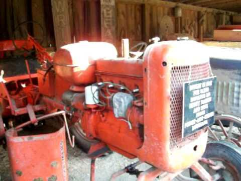 Allis Chalmers D17 tire blowout! , also small tour of tractors at Laurel Valley museum
