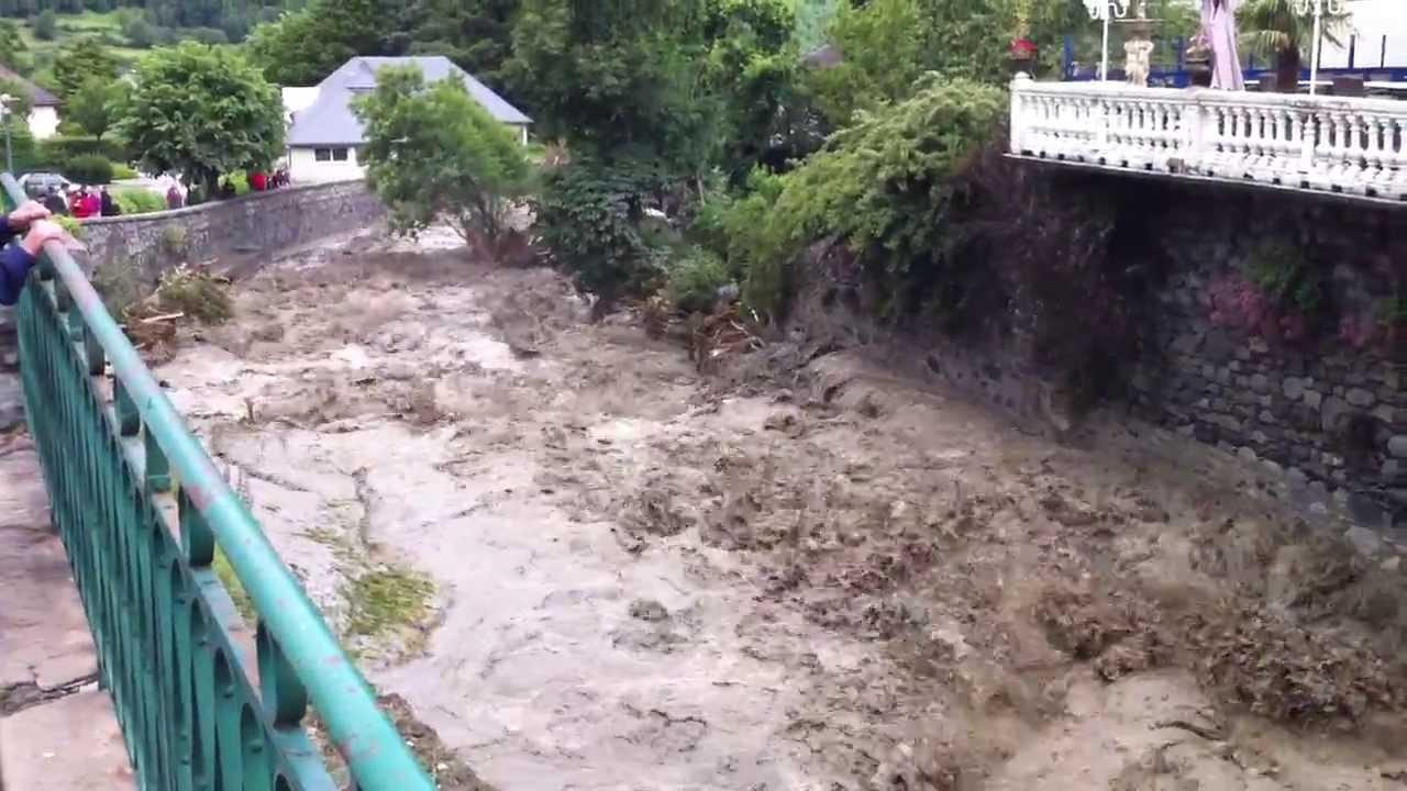 Inondations luz st sauveur 2 me jour youtube - Piscine luz saint sauveur ...