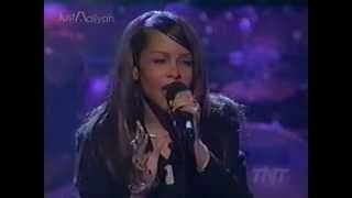 download lagu Aaliyah 'the One I Gave My Heart To' Live gratis