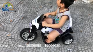 [Babycuatoi.vn] - Bé thích thú chơi với xe máy điện trẻ em BBT-200T