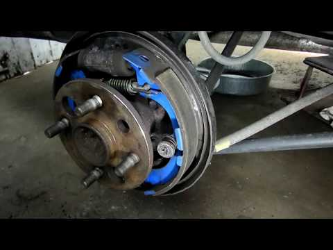Toyota Corolla Chevrolet Prizm Rear Brake Job Part 1