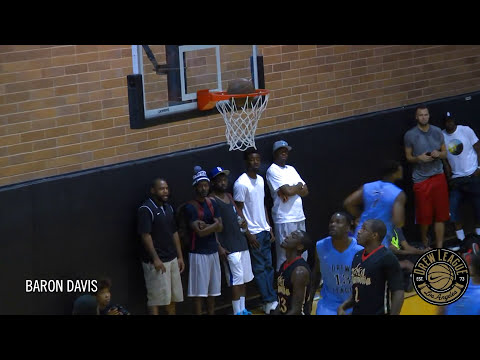 James Harden Makes It Look EASY At The Drew League!