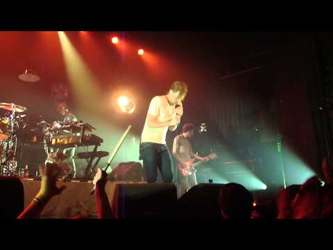 Kaiser Chiefs NEW SONG 'Bows and Arrows' live @ Melkweg, Amsterdam 08-05-2013