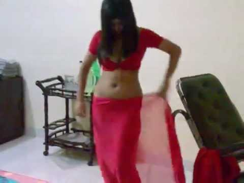 hot girl in red saree.flv