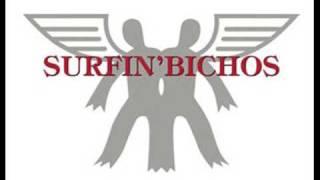 Watch Surfin Bichos Gente Abollada video