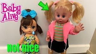 BABY ALIVE Nikki Gets Glasses New Girl Picks on her