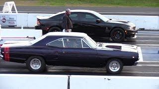 Beautiful Dodge Coronet vs Hellcat Charger - New vs Classic muscle cars drag racing