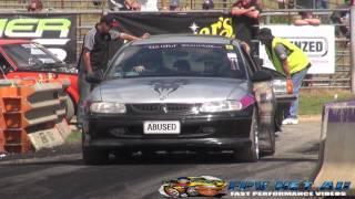 ABUSED V8 COMMODORE BURNOUTS AT LARDNER PARK MOTORFEST 2015