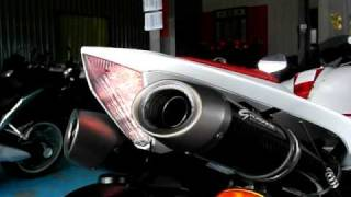 Graves Motorsports exhaust system for YZF-R1中尾段.AVI