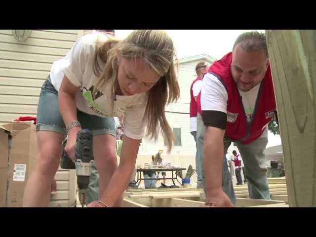 """Giving them a memory in their home"": The Lowe's Volunteers"