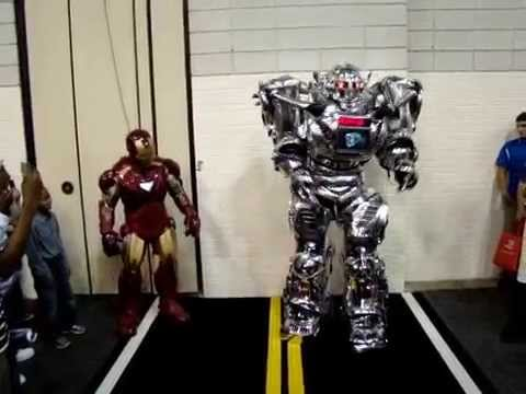 Iron Man Meets 8 Foot KING ROBOTA