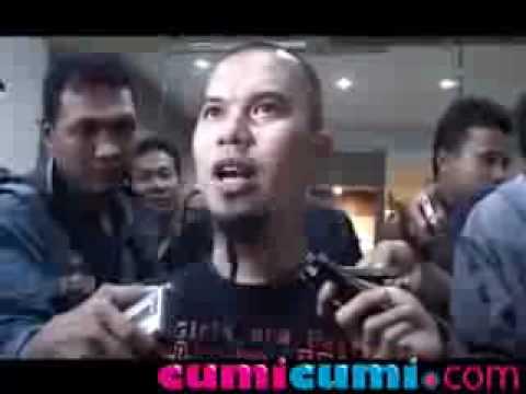 Ahmad Dhani, Titiek Puspa & para Selebritis Besuk Ariel di Tahanan - Cumicumi.com