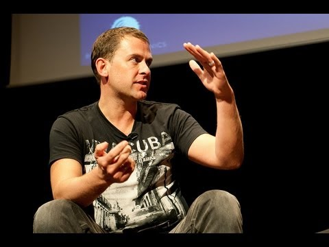 Scott Mills - He Plays Music and he makes you laugh