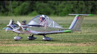 Smallest mini aircrafts in the world with engine and pilot