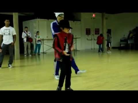 Mini Michael Jackson   Smooth Criminal video