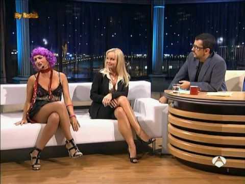 Silvia Saint Entrevista en Buenafuente - A3 - (4-10-2006) parte 1de2 Video