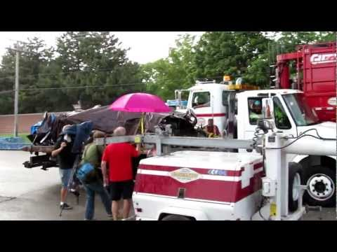 UP Northbrook derailment - crushed vehicle extraction 07.05.2012