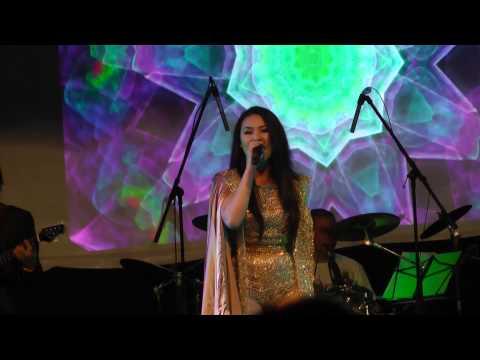 Ky Phuong Uyen & Dan Nguyen In Montreal video