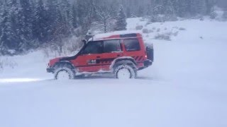 Discovery V8 Snow Driving
