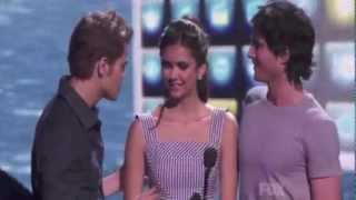 SEXY FUNNY MOMENT PAUL WESLEY NINA DOBREV IAN SOMERHALDER - Teen Choice Award 2011.mov