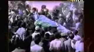 شاهد جنازة أم كلثوم الأسطورية ... أحد أكبر جنازات التاريخ